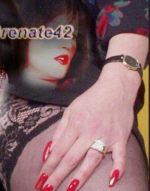 Renate42 - 42 Jahre alt, Künstlerin!