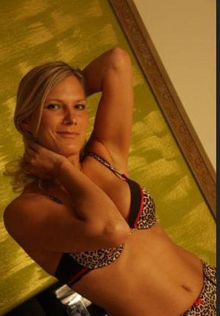 BodyDeluxe - Sehr schöner Body will besichtigt werden :)