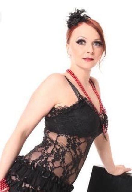 Ilona30 - Rote Haare und Dessous!