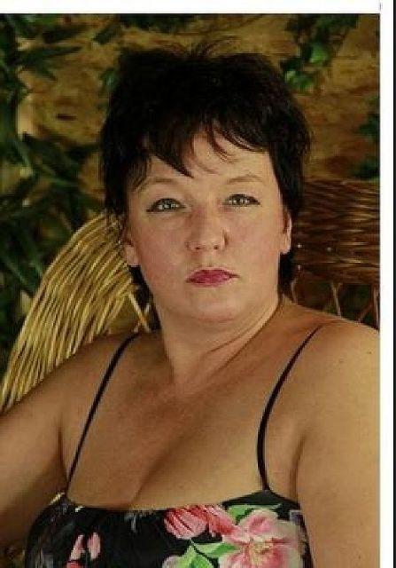 Kristall53 - Reiche und reife Frau sucht jüngeren Mann!